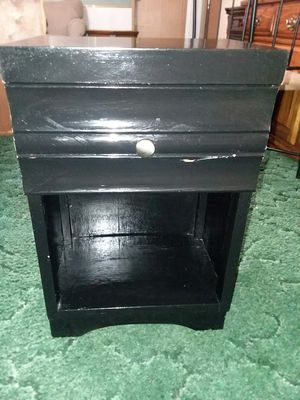 End table for Sale in Entiat, WA