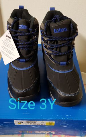 Blue/Black Tote Snow Boots size 3 youth for Sale in Renton, WA