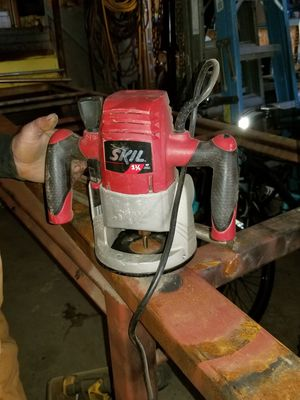 Skil Router corded power tool with bits for Sale in Sanger, CA