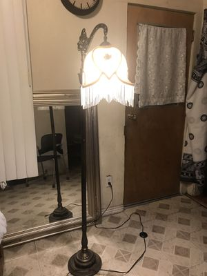 Antique Lamp for Sale in Duarte, CA