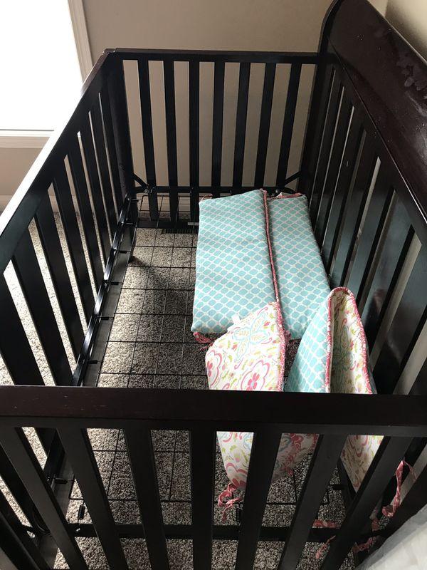Delta children 4-in-1 convertible baby crib, brand new mattress and crib protector