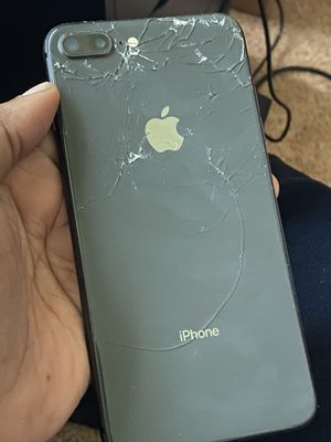 Iphone 8 Plus 64gb for Sale in Oxon Hill, MD