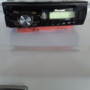 Radio CD player USB for Sale in Long Beach, CA