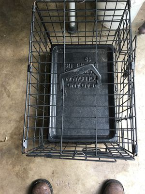 Small cage with tray for Sale in Winter Haven, FL