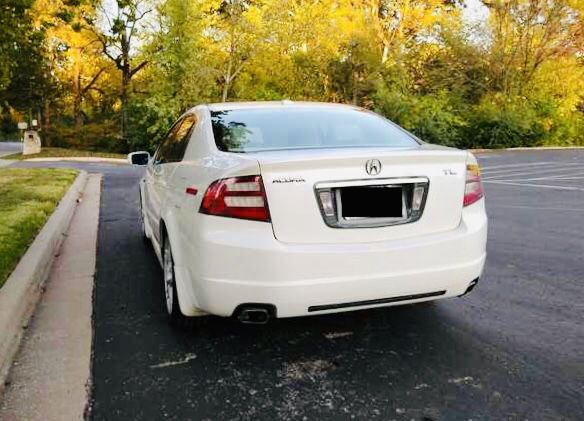 Clean 2005 Acura TL Good
