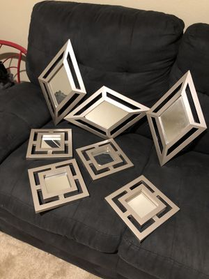 7 piece mirror wall decor for Sale in Bakersfield, CA