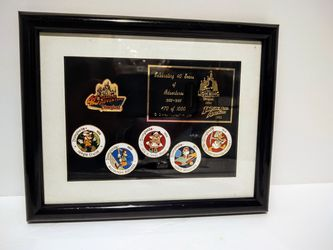 DISNEY Limited SET 6 PINS DLR DISNEYLAND 40 YEARS OF ADVENTURE CAST FRAMED for Sale in Kirkland,  WA