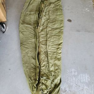 Army Issue Cold Weather Mummy Sleeping Bag for Sale in Apopka, FL