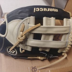Marucci Founders Baseball softball Glove for Sale in San Diego, CA