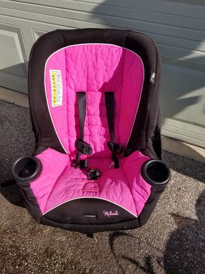 Infant car seat, in very good condition. Had two cars didn't use much. for Sale in Spanaway, WA