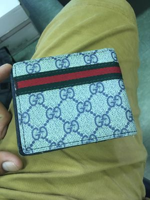 Gucci wallet for Sale in Homestead, FL