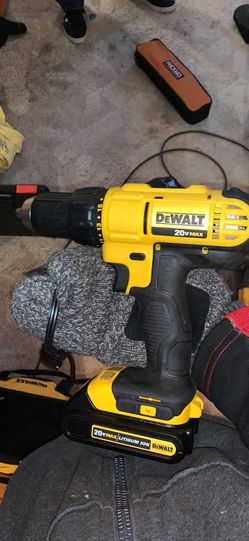 "DeWalt 20v 1/2"" Drill Driver for Sale in St. Louis,  MO"
