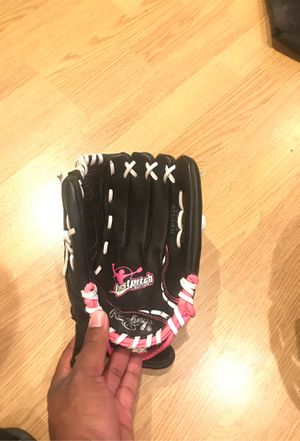 Softball glove for Sale in Columbus, OH