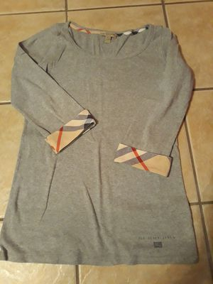Women's Burberry shirt L like new condition for Sale in Palos Hills, IL