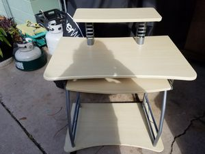 Small used computer desk. Good condition. for Sale in Jacksonville, FL