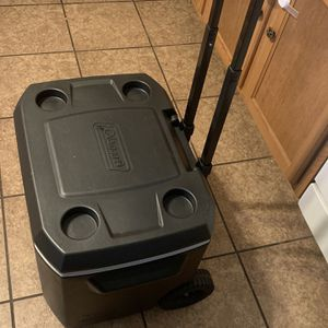 Coleman Cooler Black Color Goodconditions for Sale in Houston, TX