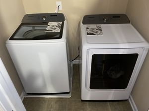 Like new Samsung electric washer and dryer set for Sale in Mableton, GA