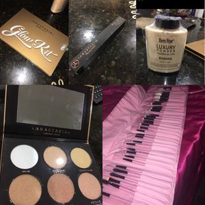 BEAND NEW MAKEUP for Sale in Miami Gardens, FL