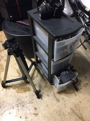 Box with film cameras for Sale in Lanham, MD