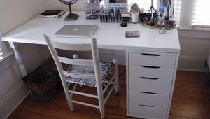 Makeup-Vanity for Sale in Chicago, IL