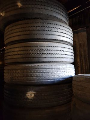 235/80r22.5 Michelin for Sale in Los Angeles, CA