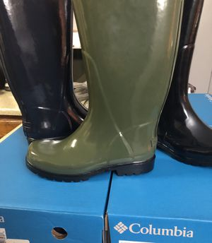 Woman Columbia rain boots size 8,9 only for Sale in Mesquite, TX