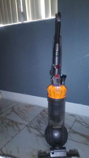 Dyson multi floor vacuum cleaner for Sale in Miami, FL