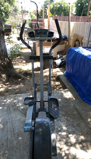 NordicTrack CXT 910 elliptical for Sale in Fontana, CA