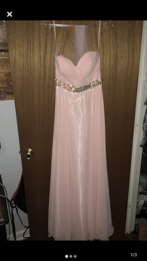 Pink prom dress only worn once. In great condition! Size 3/4. for Sale in Lockhart, TX