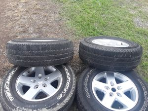 5 wheels and tires that came off a 2016 wrangler for Sale in Smyrna, TN
