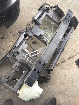 Infiniti FX35 radiator support 2003 –2006 for Sale in Rialto, CA