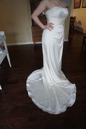 Beautiful Wedding Dress for Sale in Cincinnati, OH