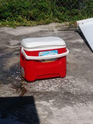 Multi use cooler for Sale in Miami, FL