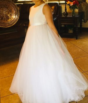 David's bridal flower girl dress only worn once for holy communion for 2 hours. Size 10 girl for Sale in Pembroke Pines, FL