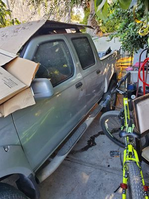 2001 Nissan Frotier for Parts Engine and transmission working for Sale in Los Angeles, CA
