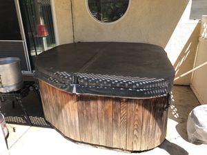 Hot tub ( you pick up) for Sale in Salida, CA