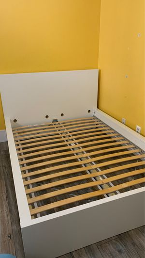full size bed, IKEA MALM for Sale in Corona, CA