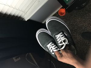 Vans Authentic Skate Shoe -Black for Sale in Spring, TX