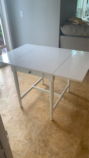 Dining table for Sale in Tigard, OR
