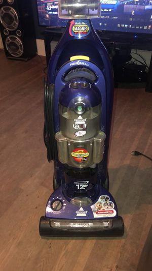 """Bissell Vacuum """"mainly for pets"""" for Sale in Kernersville, NC"""