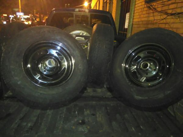 4 trailer tires 5 lugs. Size 14s. Fits trailers and rvs