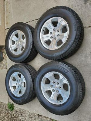 2018 Tahoe 18 Inch Alloy Wheels With Michelin 275 / 70 / 18 Tires for Sale in Long Beach, CA