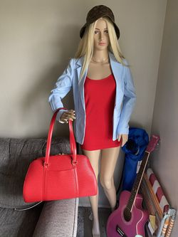 Authentic Louis Vuitton Red Epi Bag for Sale in Everett,  WA