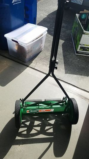 $45 each open box mint condition Scotts Scott's 16 in. Manual Walk Behind Push Reel Lawn Mower for Sale in South El Monte, CA