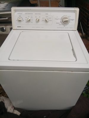 SUPER NICE HEAVY DUTY EXTRA LARGE CAPACITY WASHER for Sale in St. Louis, MO