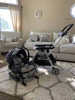Chicco Keyfit Car Seat with base and Keyfit Caddy Stroller for Sale in Dinuba, CA