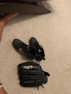 softball shoes & glove for Sale in Boynton Beach, FL