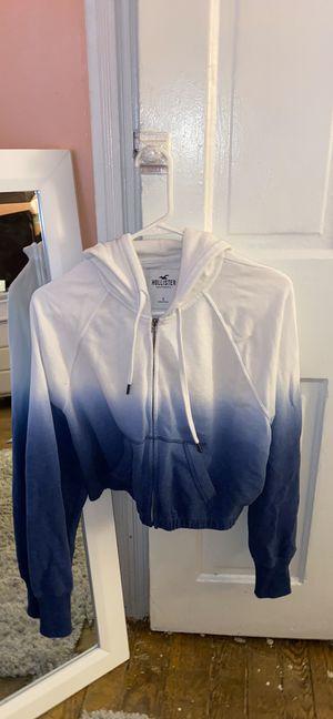Hollister crop hoodie SIZE M for Sale in Penndel, PA
