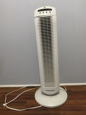Envirocare stand up oscillating fan with remote for Sale in Largo, FL