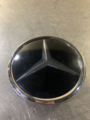 Mercedes-Benz grill star emblem distronic for Sale in San Gabriel, CA